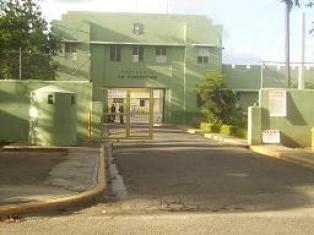 pelea-entre-reclusos-deja-un-muerto-y-seis-heridos-en-carcel-publica-de-la-vega