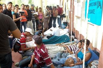 estudiantes-siguen-en-huelga-de-hambre-y-reciben-atencion-medica