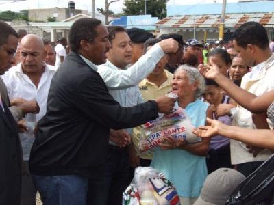 lf-ordena-iniciar-programa-navideno-entrega-de-alimentos-a-familias-pobres